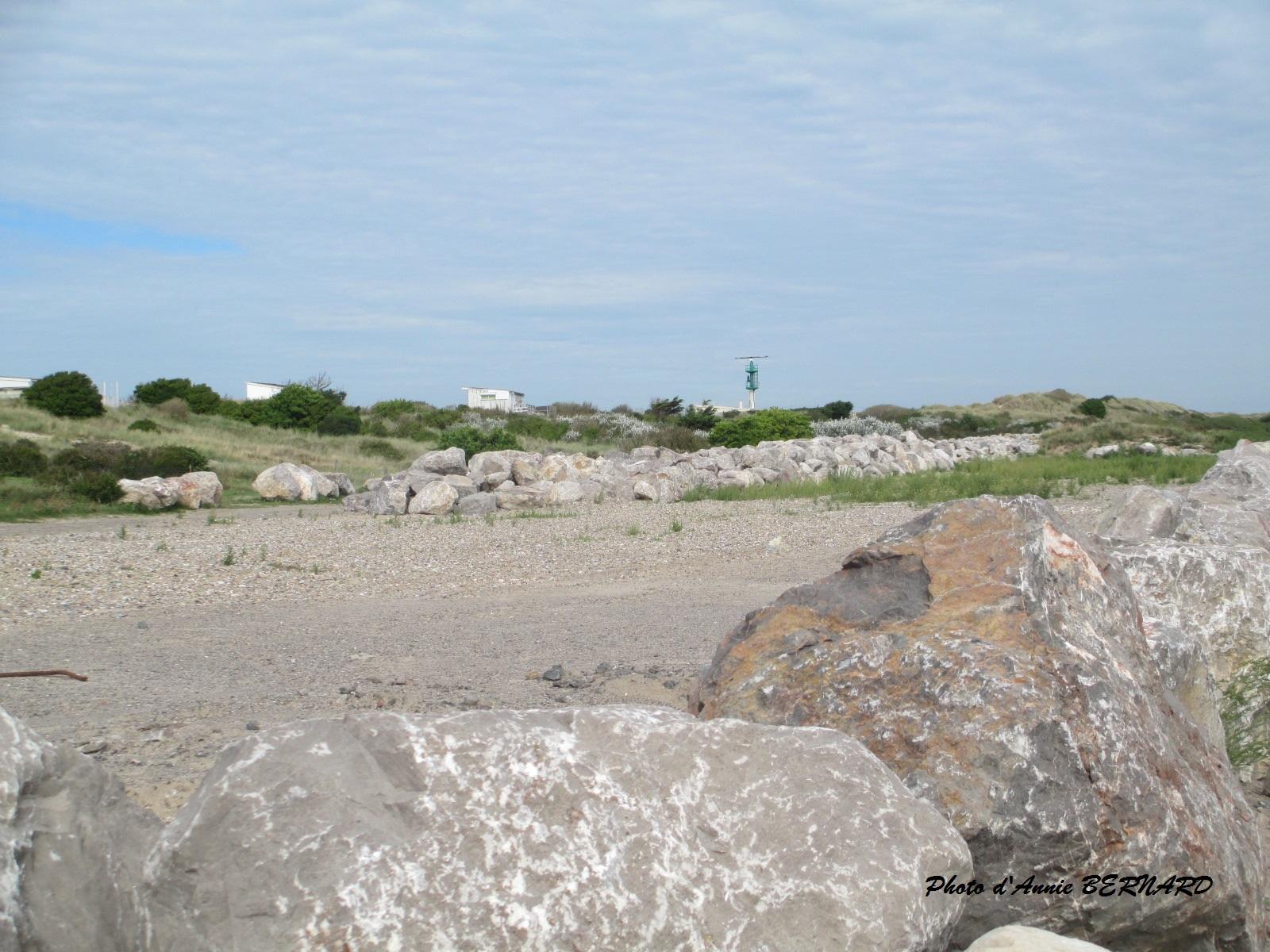 Enrochement devant la plage de Sangatte
