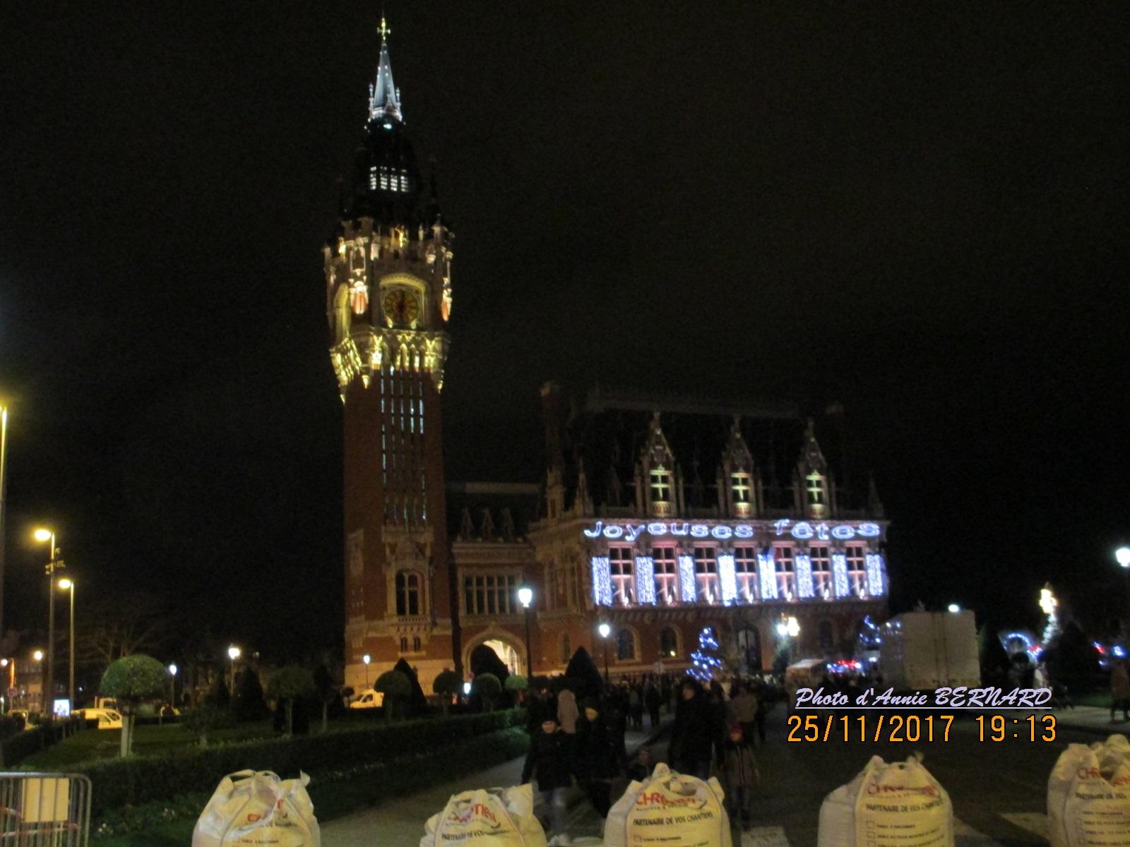 Le beffroi de la mairie de Calais