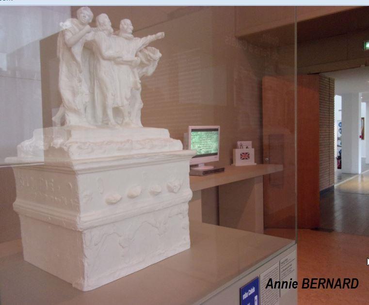 Statues sous cloche