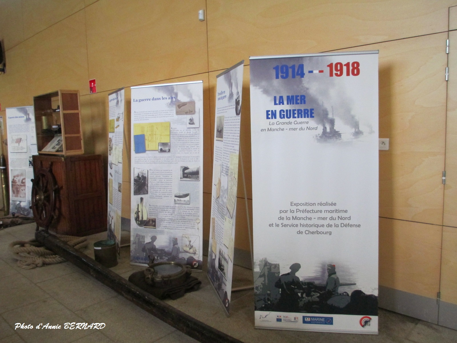 Expo de documents sur 14/18