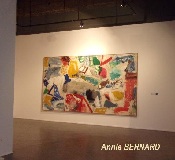 Peinture colorée à l'étage