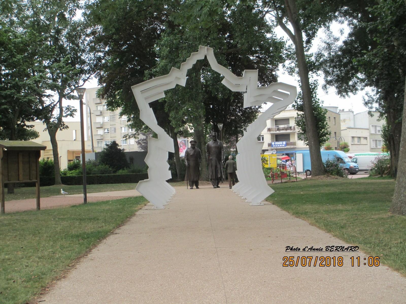 Vue sur la France et les sculptures