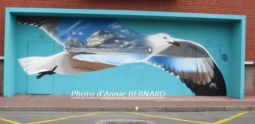 Vyrüs, sa fresque est à regarder Quai de l'Yser à Calais
