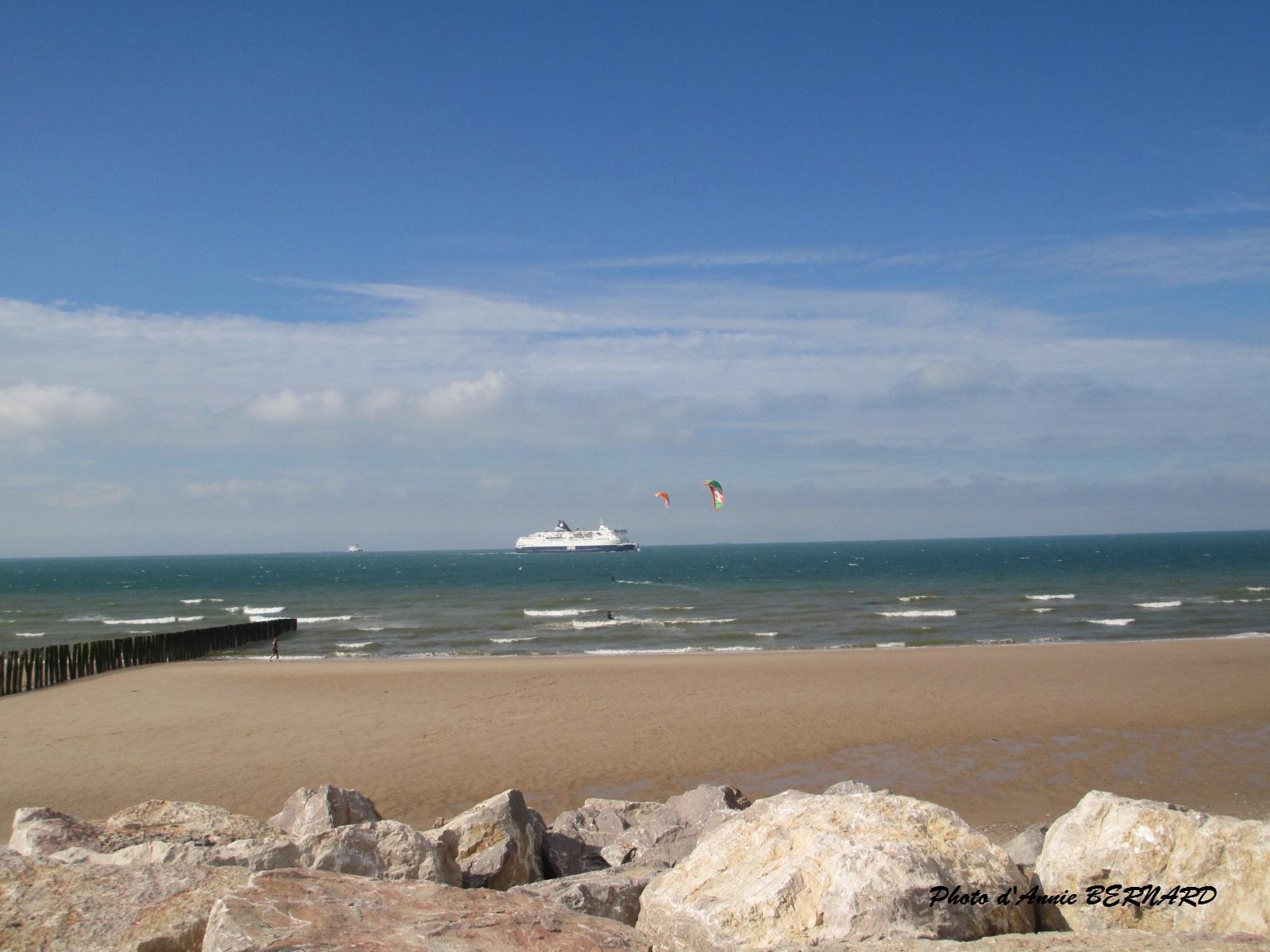 Trafic maritime au loin