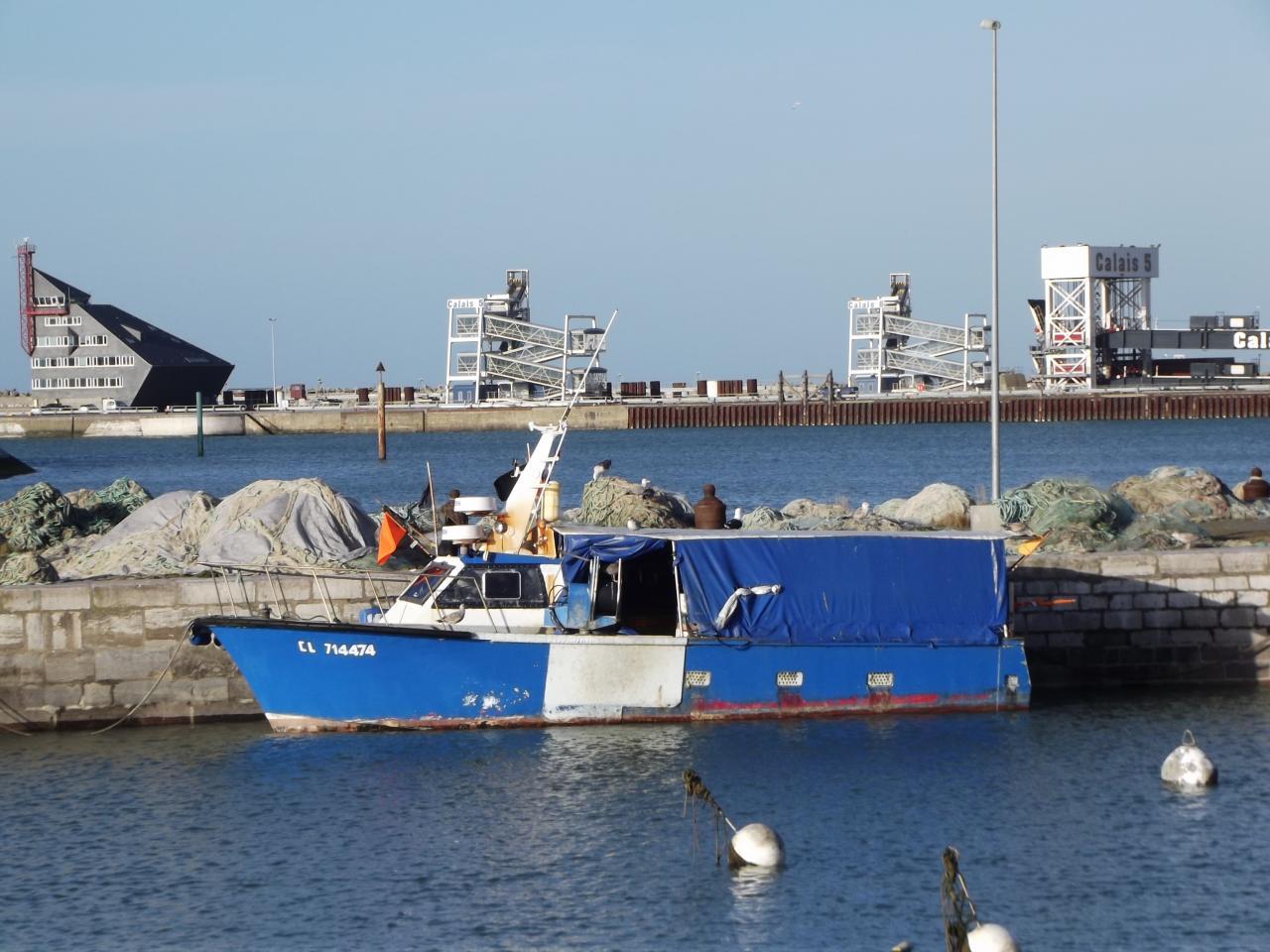 Du Courgain maritime, vue sur le  Port de Calais