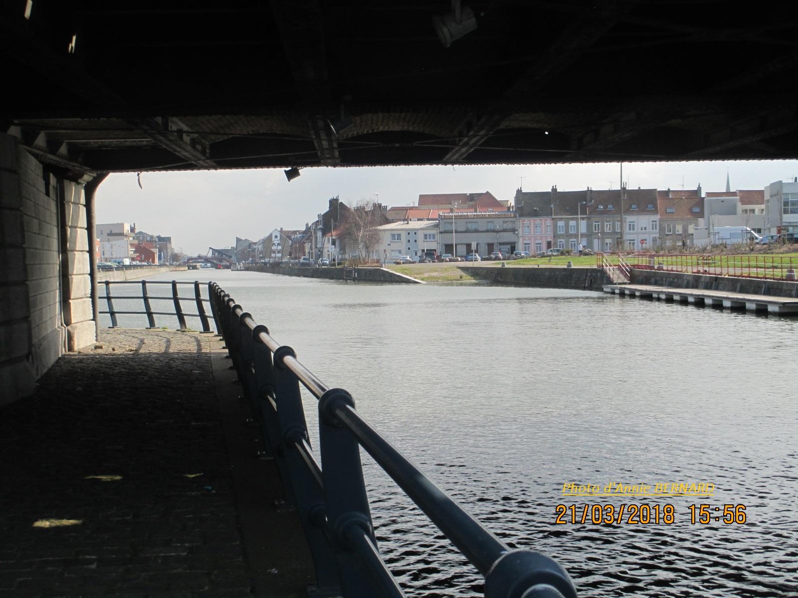 Sous le pont Mollien