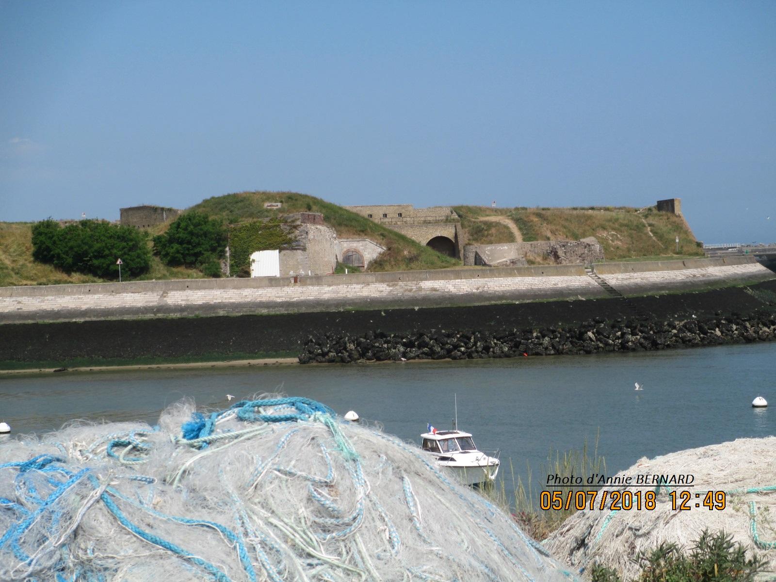 Vue sur le Fort Risban depuis le Courgain Maritime de Calais