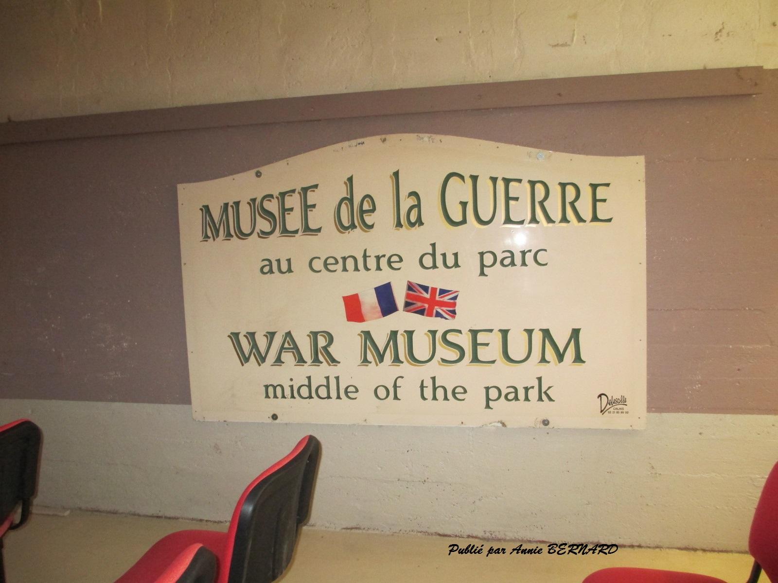 Ancien panneau du musée de la guerre de Calais