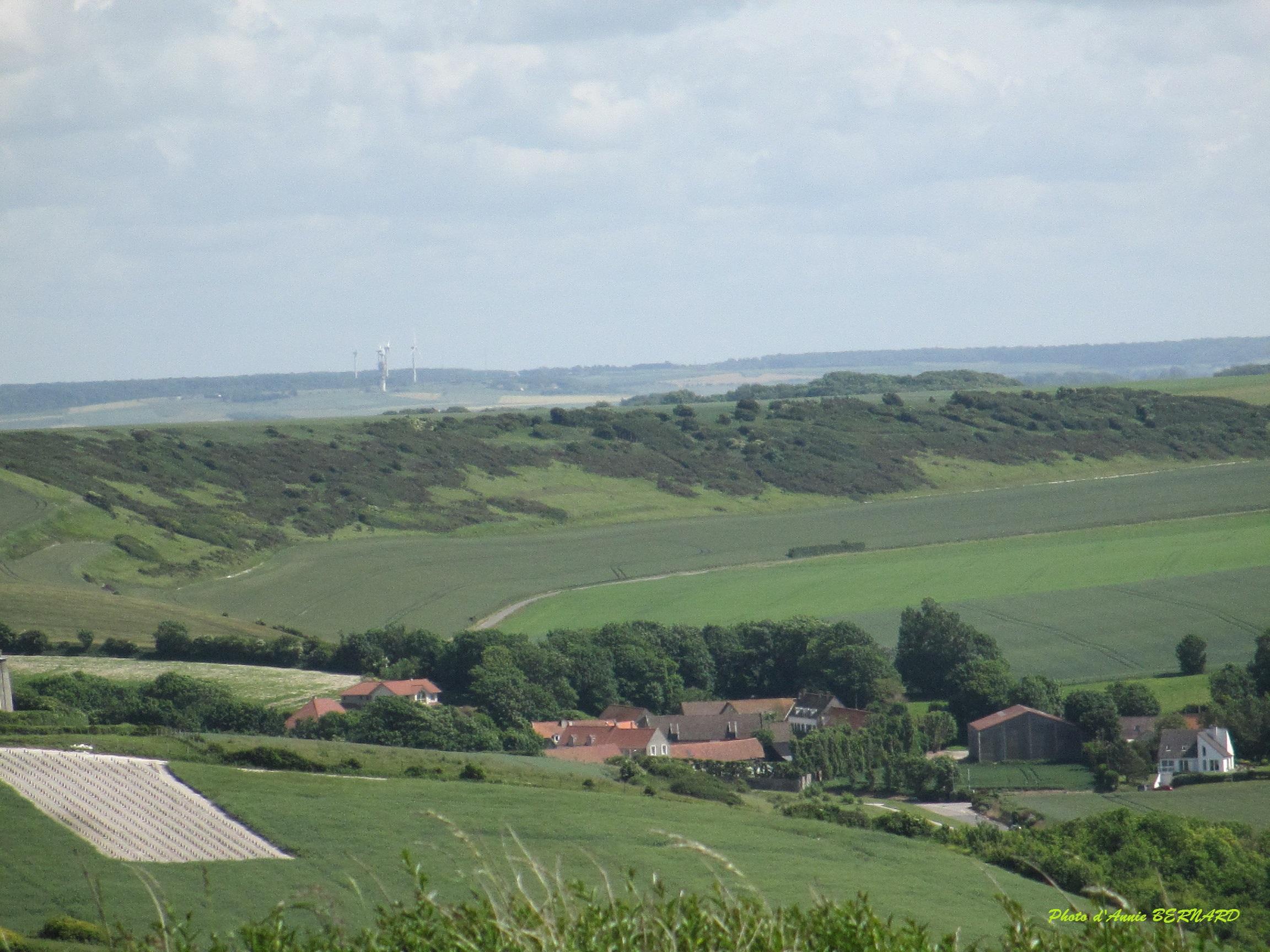 Le village d'Escalles en bas