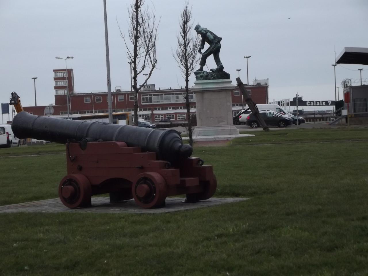 Quartier Courgain Maritime, monuments des sauveteurs