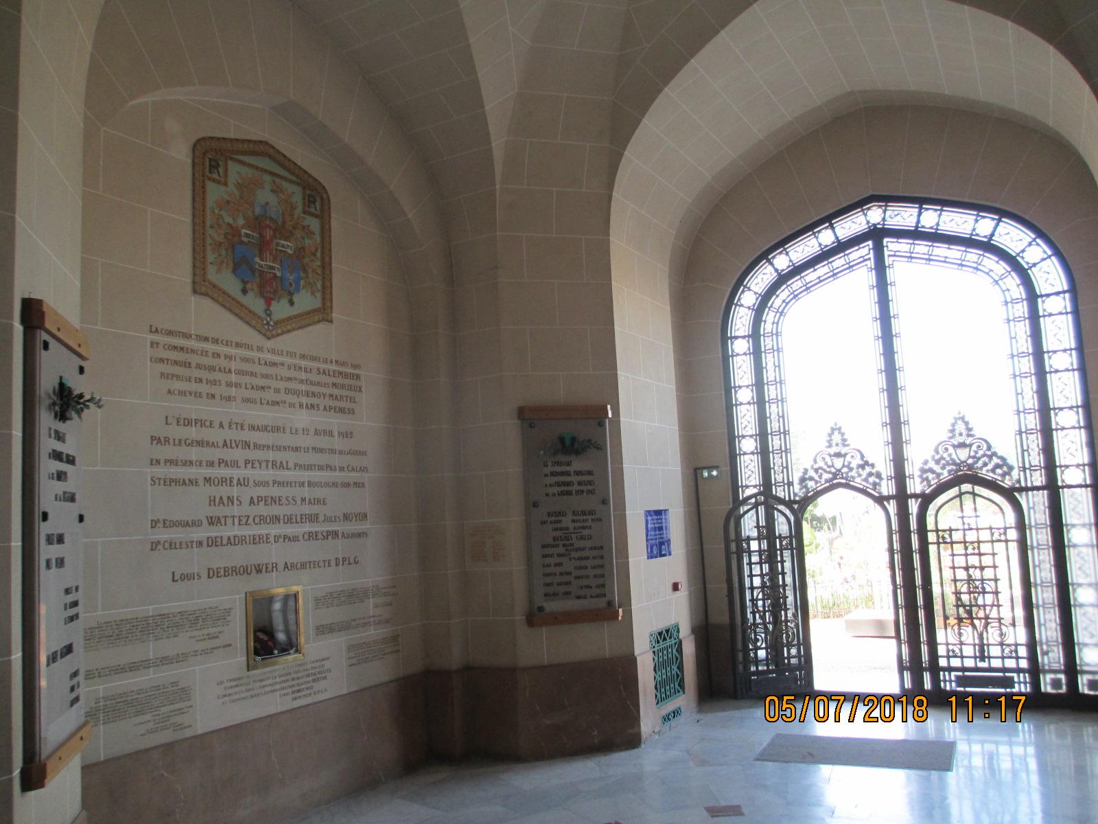 Portail de l'Hôtel de ville de Calais