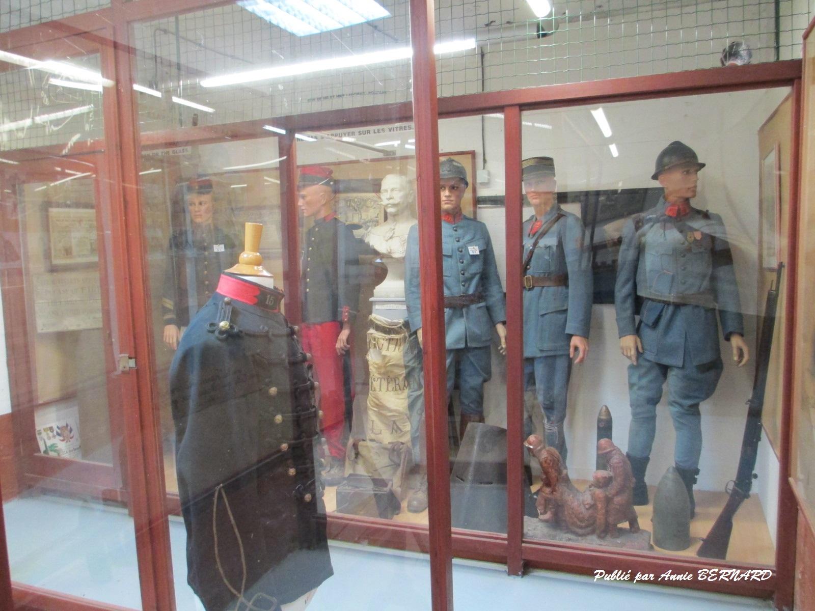 Uniformes militaires