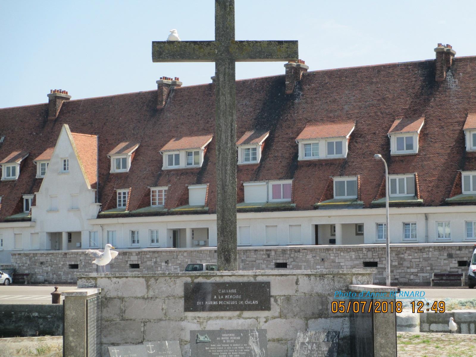 Calvaire à la mémoire des marins pêcheurs de Calais