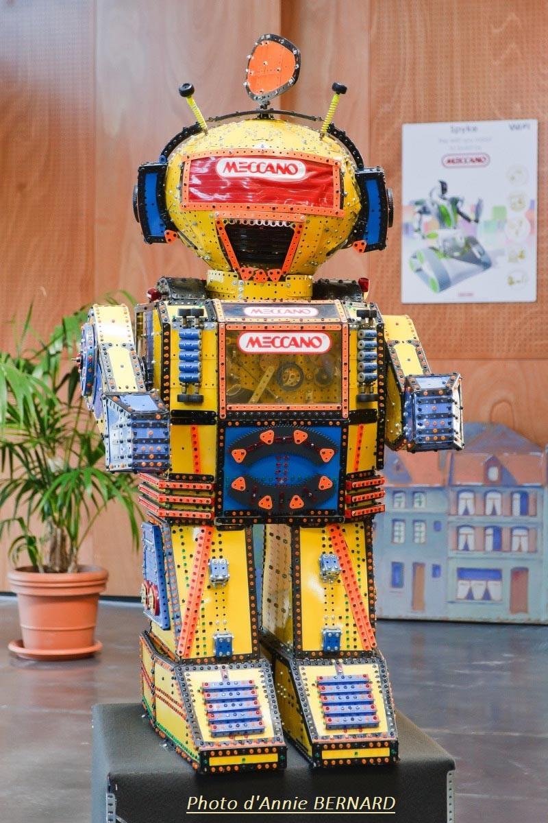 Robot en pièces Meccano