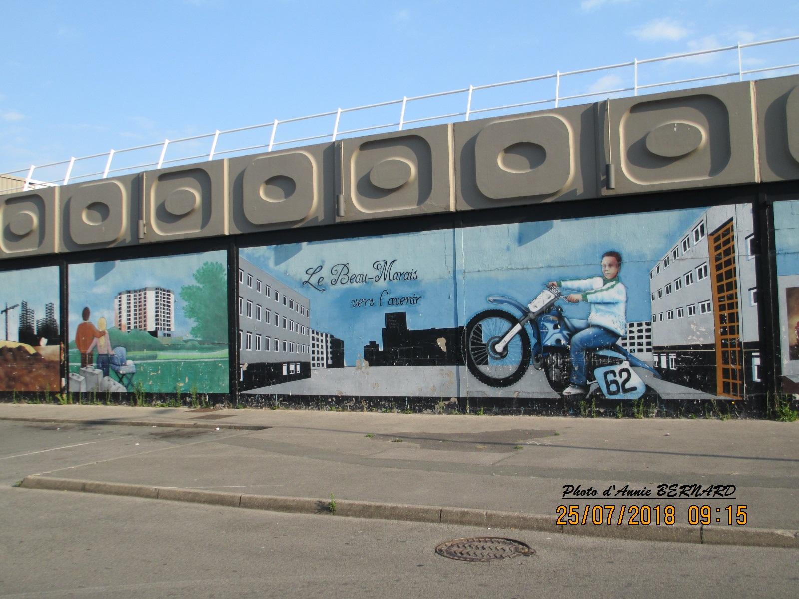 Décor peint sur un mur de magasin