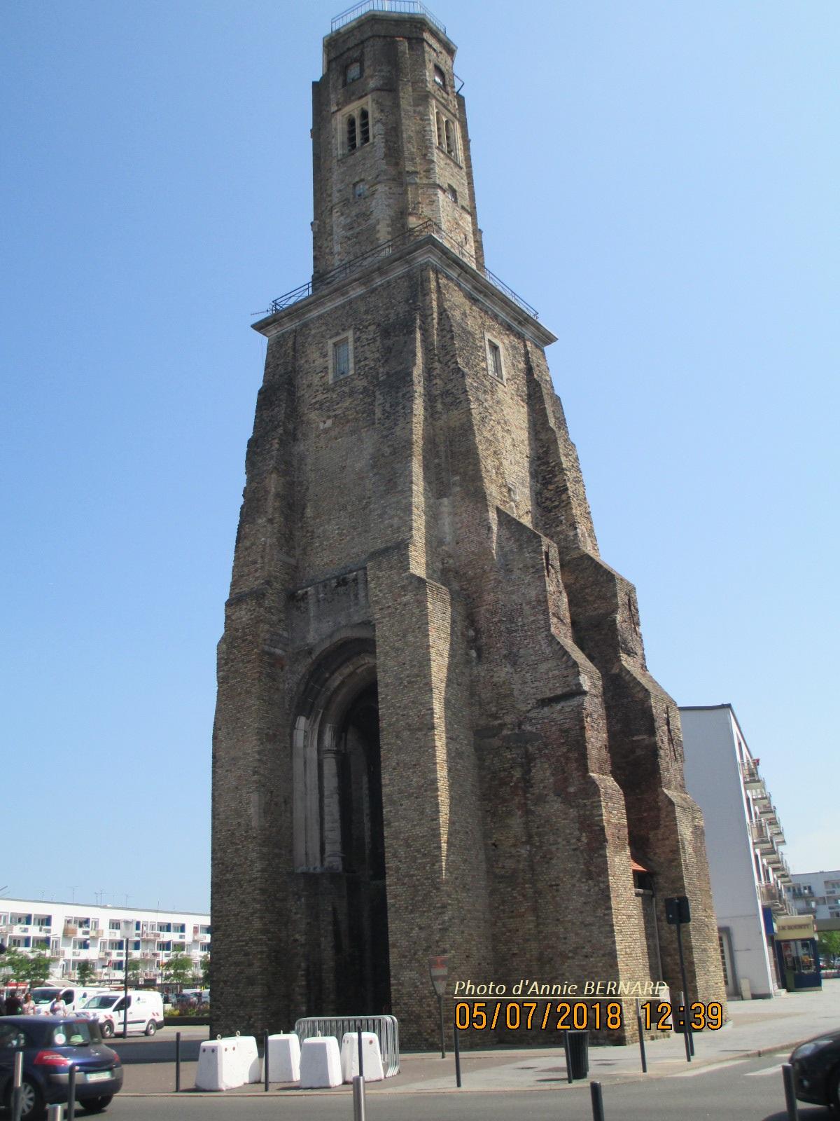 La Tour du Guet haute de 38,55 mètres