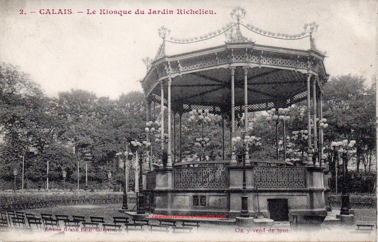 Calais rétro, kiosque au jardin Richelieu