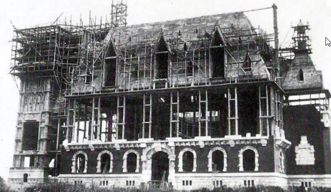 Construction de l'Hôtel de ville de Calais début 1900