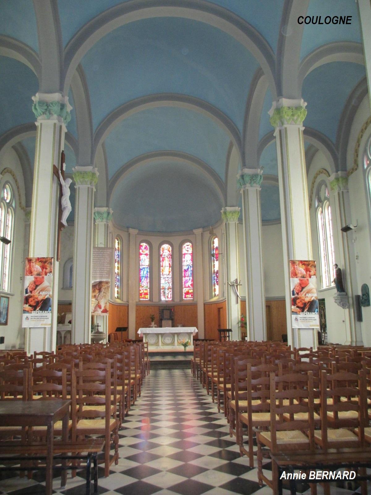 L'intérieur de l'église Saint-Jacques de Coulogne
