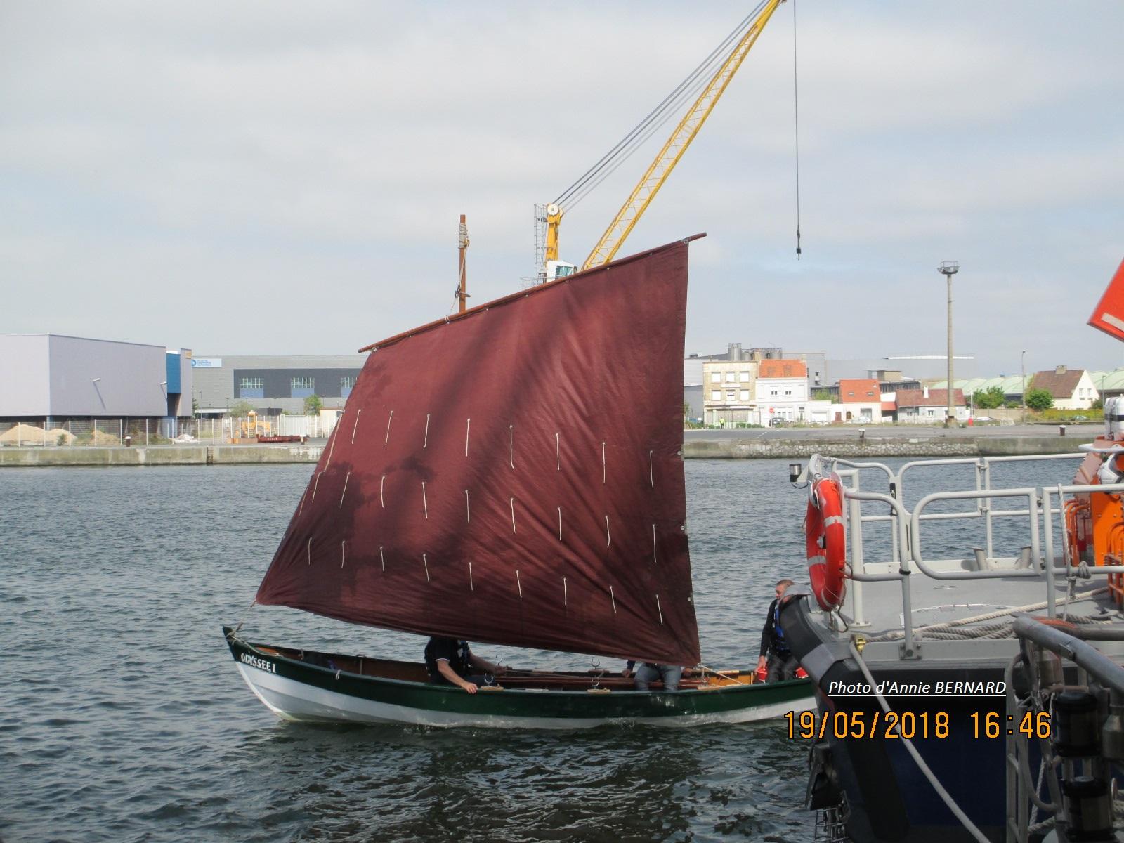 Petite barque à voile
