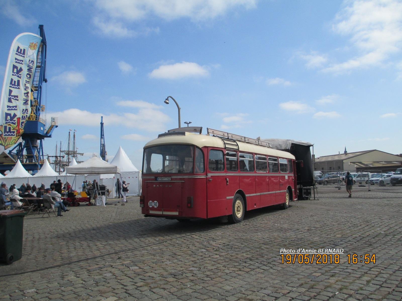 Bus rouge du temps passé