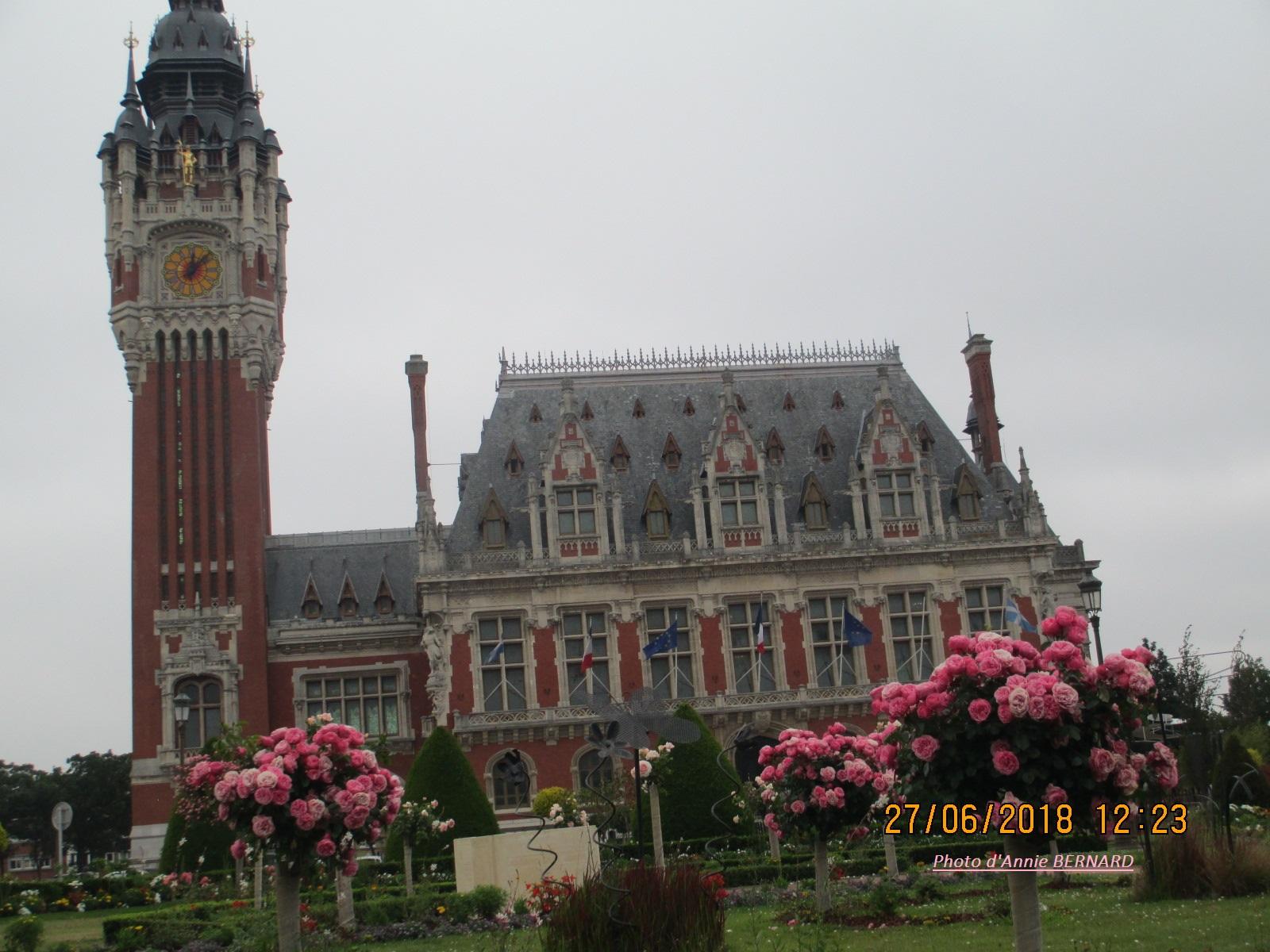 Belle vue sur l'Hôtel de Ville de Calais