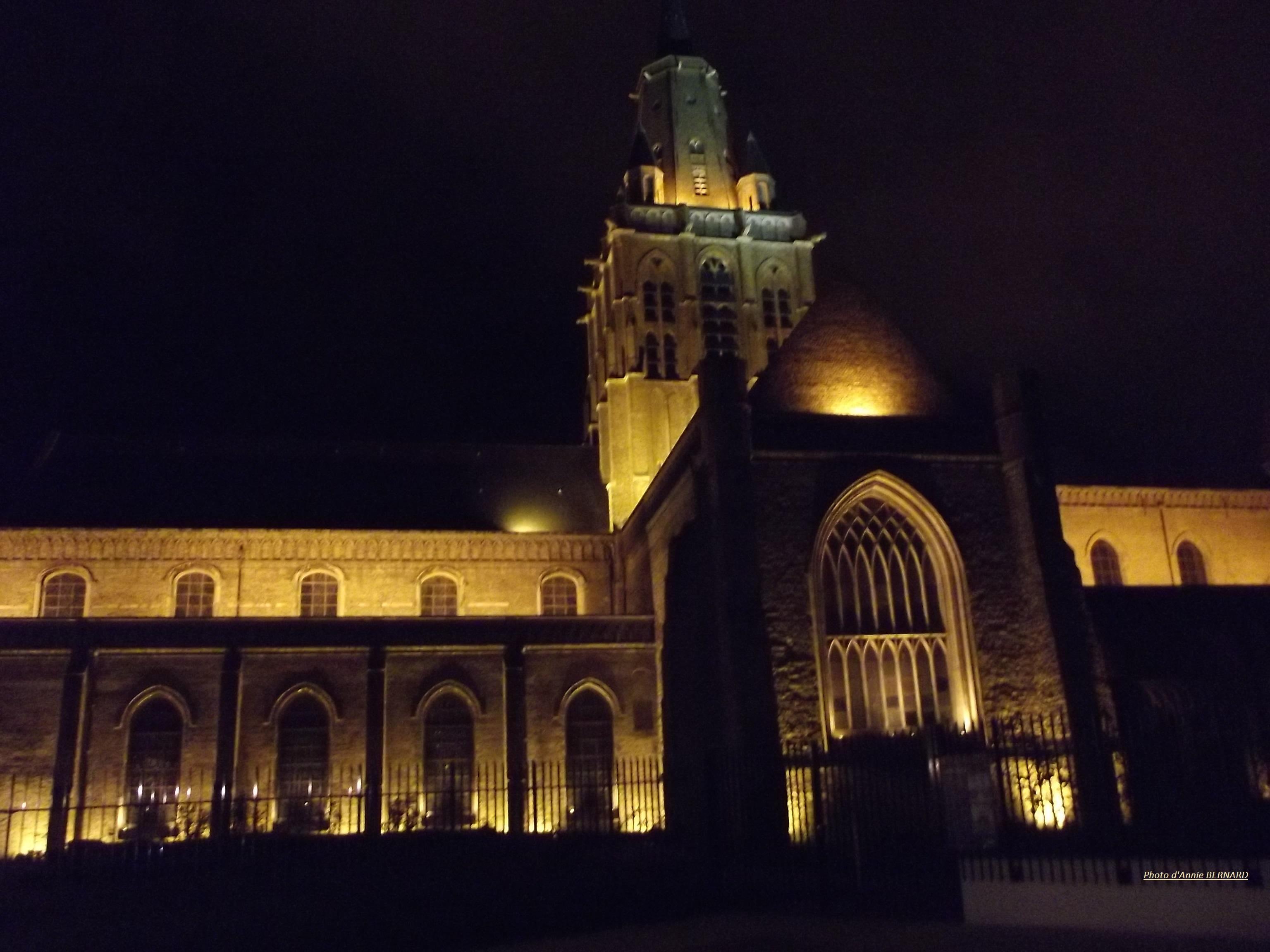 Eglise Notre-Dame de nuit à Calais