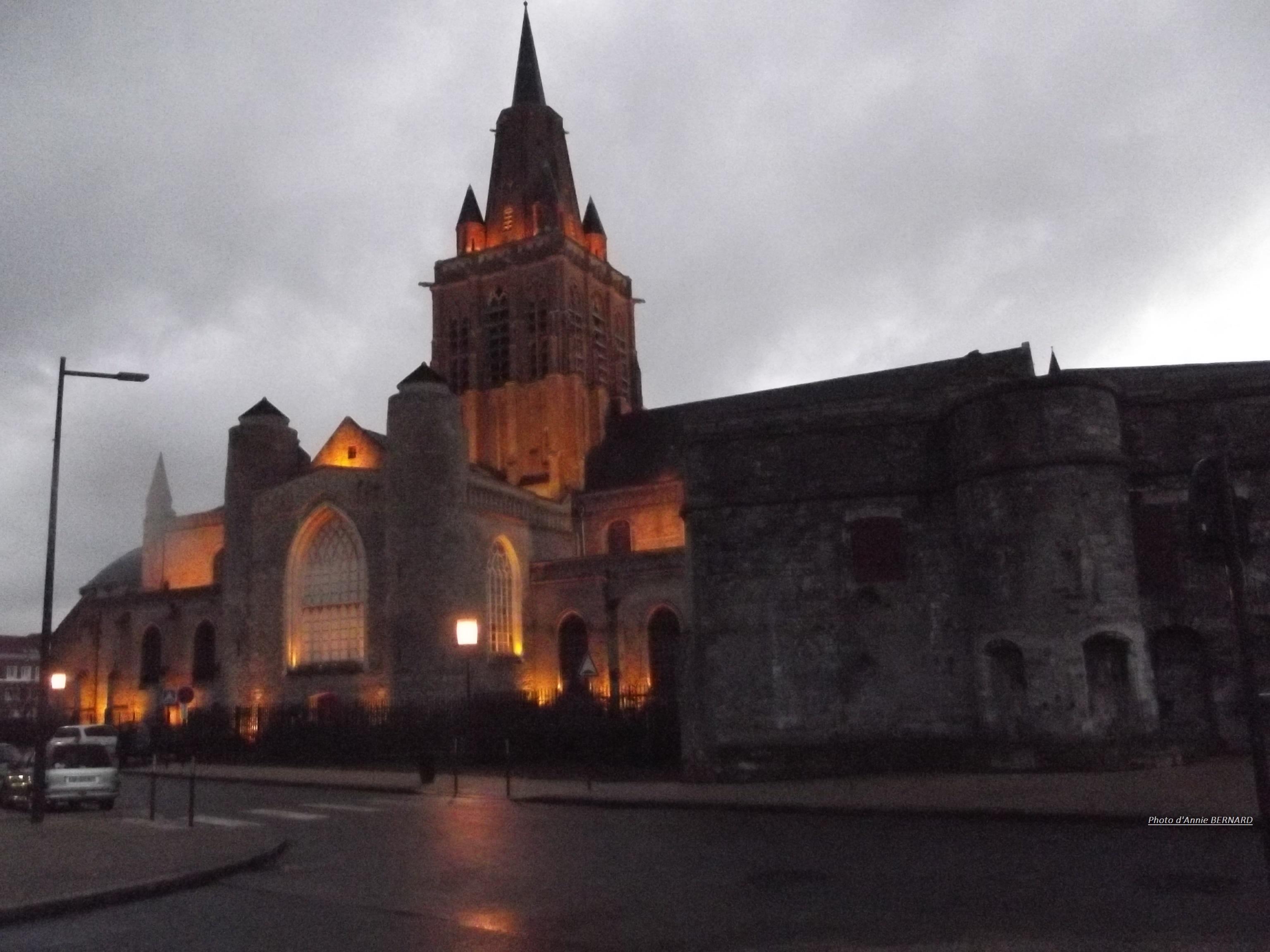 Illumination extérieure de l'église Notre-Dame de Calais