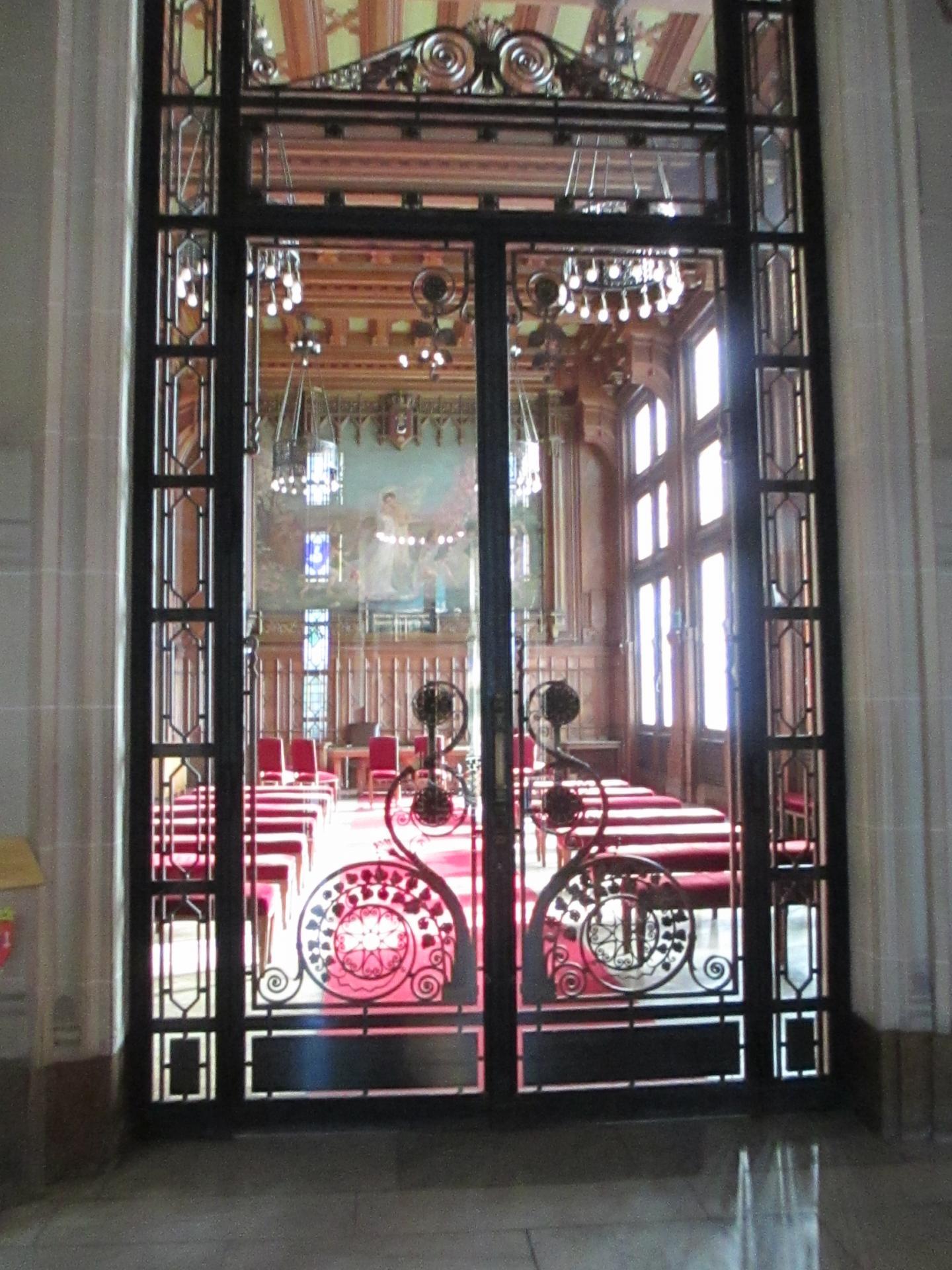 1 salle des mariages de la mairie de calais